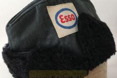 Esso Vinterskråhue Tankpasser, Chauffør.